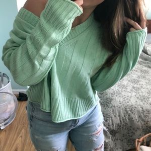 AE Cropped V-Neck Knit Sweater